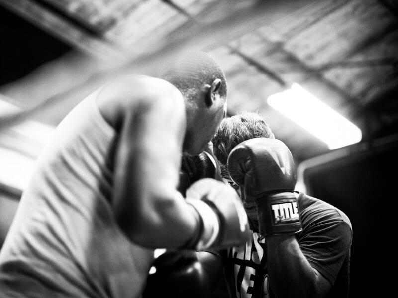 Junge Männer trainieren viele Stunden in heruntergekommenen Turnhallen in der Hoffnung auf eine Karriere als Profiboxer in den USA. Für die meisten erfüllt sie sich nie, Havanna 2017
